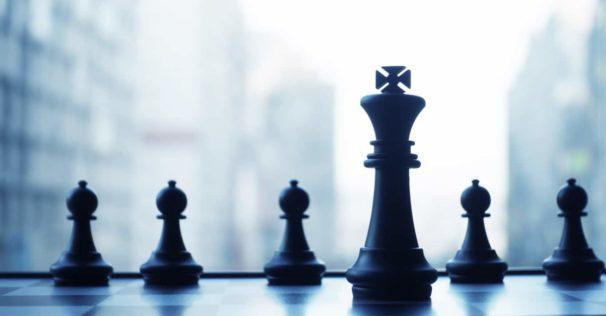 chess pieces symbolising leadership training