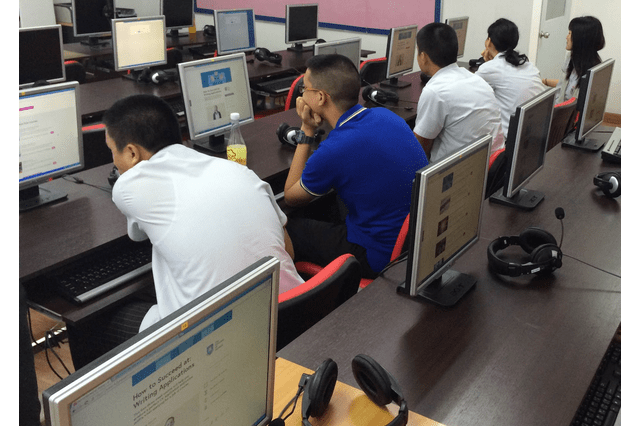 Students at a school in Bangkok learned about writing applications together